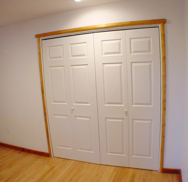 Closet Door With Southwest Hand Led Trim Casing
