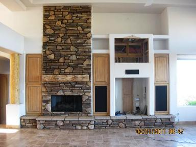 Do It Yourself Sw Fireplace Mantel Uses A Pine Character Log For The Mantle River